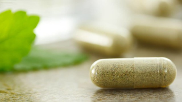 Kratom Pill for The Fix article about the DEA and FDA
